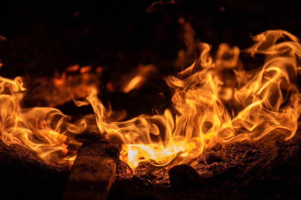 fiamma viva fuoco rame